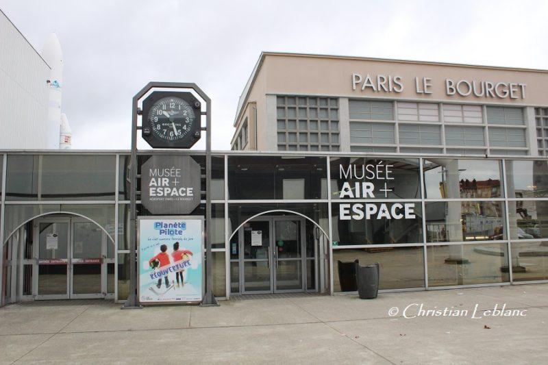 Musée de l'Air et de l'Espace au Bourget, 50 ème anniversaire du 1er vol du Concorde, entrée du Musée
